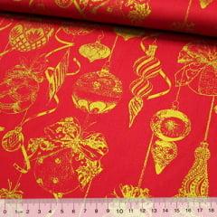 Tricoline Natal - Bolas Enfeites - Fundo Vermelho c/ Dourado
