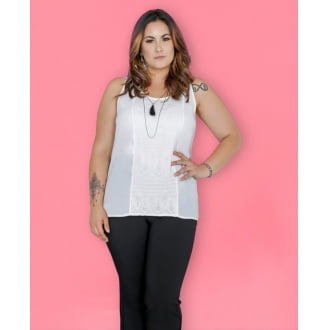 Blusa Plus Size com Renda