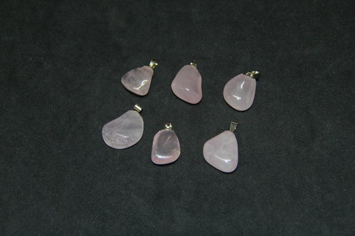 Pingente de Pedra Quartzo Rosa 1 a 1,5 cm - Helena Cristais