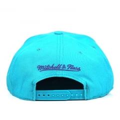 004823a9598eb Boné Charlotte Hornets Mitchell   Ness Logo Abelha Azul Claro - Boneja