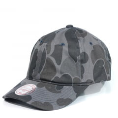 Bone Mitchell and Ness camuflado aba curva preto