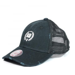 Bone Mitchell and Ness trucker snapback preto