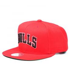 Bone Chicago Bulls Mitchell and Ness snapback vermelho letters dd1c974c9b3