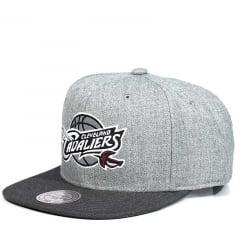 Bone Cleveland Cavaliers Mitchell and Ness snapback mescla logo refletivo