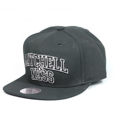 Bone Mitchell and Ness snapback preto