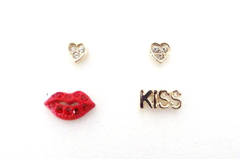 Conjunto de brincos em formato de boquinha  kiss coração