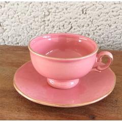 Xícara de chá rosa em cerâmica pintada a mão