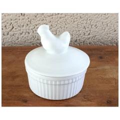 Ramequim de porcelana com tampa galinha