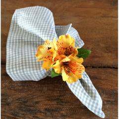 Porta guardanapo flor astromélia amarela