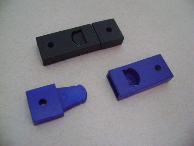 Acabamento Trava Segurança (plástico) preta cordão 9mm (Cento) - Globalcards Suprimentos