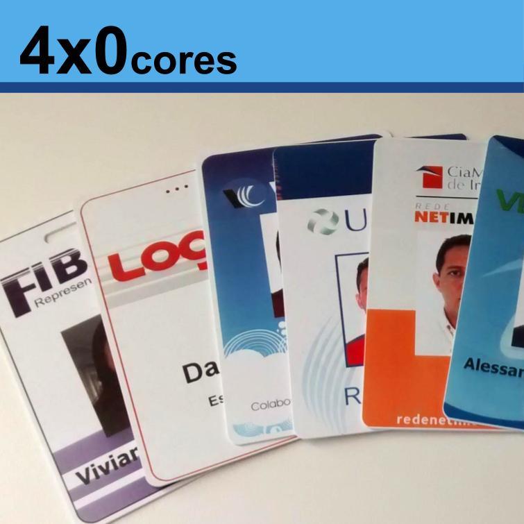 Crachás de PVC 0,76mm 4x0 Cores Dados Variáveis - Frente Colorida e Verso Branco