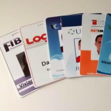Crachás PVC 0,76mm Inteligente Smartcard 1K 4x4 Cores Dados Variáveis - Frente Color e Verso Color