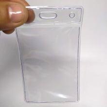 Bolsa de PVC Transparente Vertical 60x90mm para crachás área útil 54x86mm ( 1 unid.)
