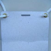 Cordão PP Branco 80cmx3mm para credencial com acabamento ponteira alça fácil