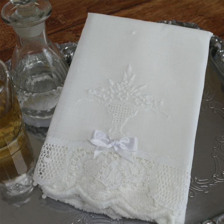Toalha Renda Renascença bordada vaso flor (pequena)