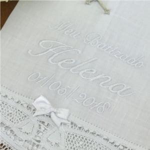 Toalha Batizado Personalizada Renda Renascença - Nome e Data (grande)