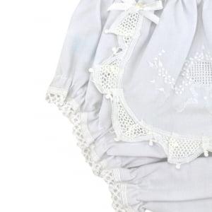 Calcinha  renda renascença bordada medalhão poá e flores branco/branco