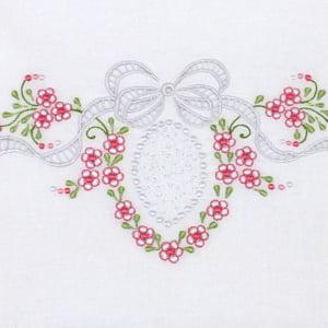 Cueiro Lençol de Xixi Richelieu Laço Medalhão Rosa