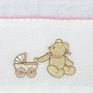 Fralda bordada urso rosa