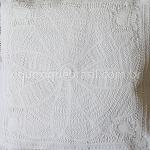 Capa para almofada Renda Renascença flor 47x47cm (1 unid.)