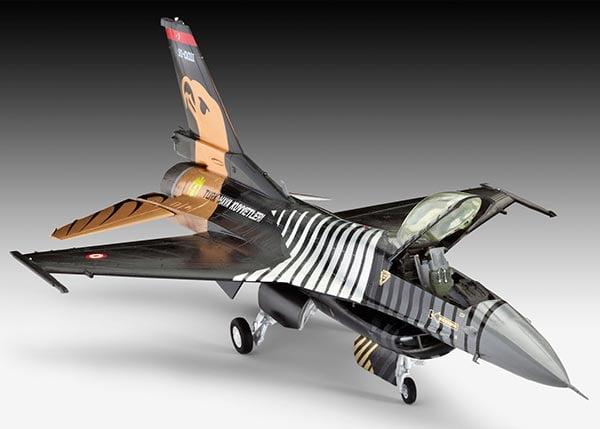F-16 C Solo Türk - 1/72 - NOVIDADE! CÓDIGO: REV 04844