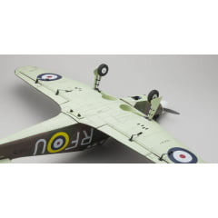 Aeromodelo Kyosho 1:8 Rc Gp50 Warbird Sqs Hurricane Arf