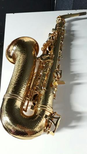 Saxofone Alto Khan Profissional (Seminovo)