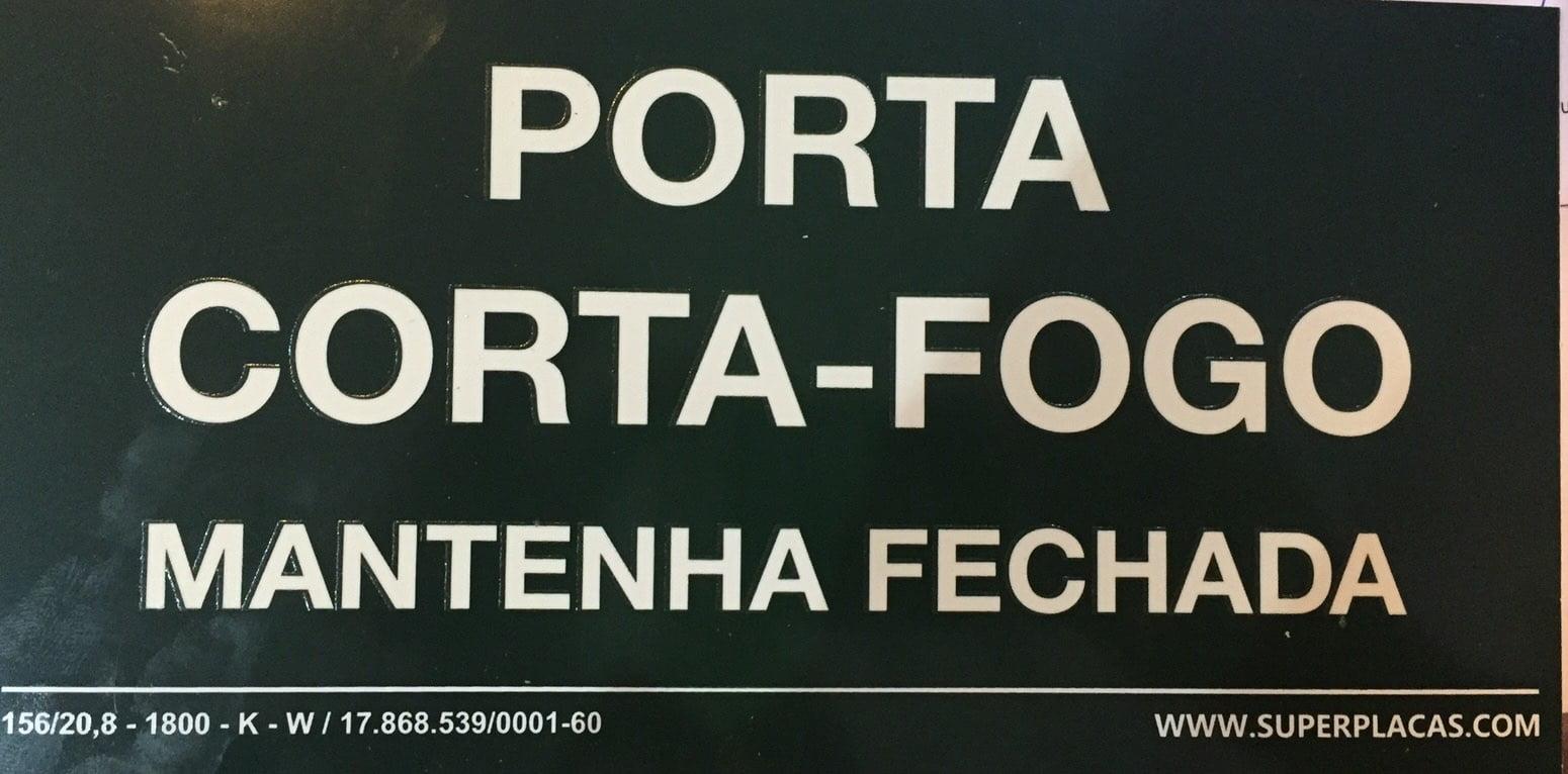 Placa Rota Fuga S20 - Porta Corta Fogo Mantenha Fechada Certificada NBR 13434-3 13x26 Super Placas Plástico