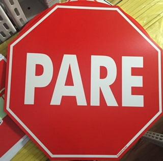 Placa  PARE  - Plástico 45x45cm  - 300AD