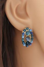 Brinco semi joia com cristais tons de azul.
