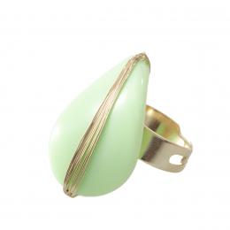Anel verão 90 com resina verde citrico folheado a ouro 18k