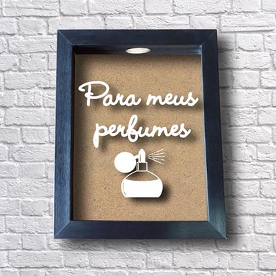 Quadro Cofre para meus Perfumes
