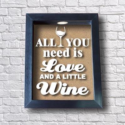 Quadro de Rolhas de Vinho - All You Need Is Love