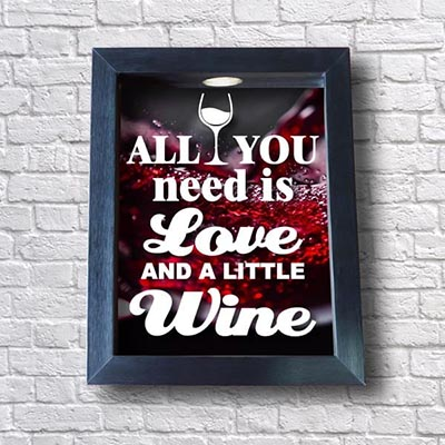 Quadro de Rolhas de Vinho - All You Need Is Love
