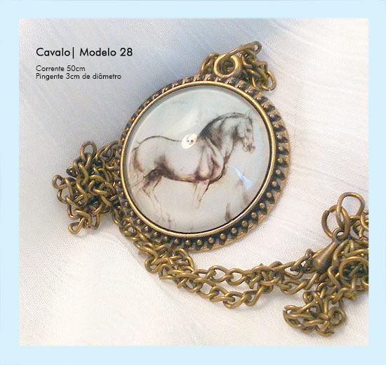 Medalhão vintage com desenho de cavalo