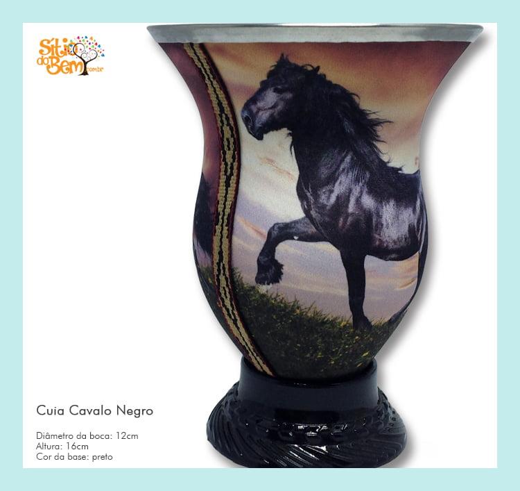 Cuia de chimarrão com imagem de cavalo selvagem