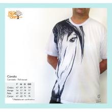 Camiseta com Desenho de Cavalo
