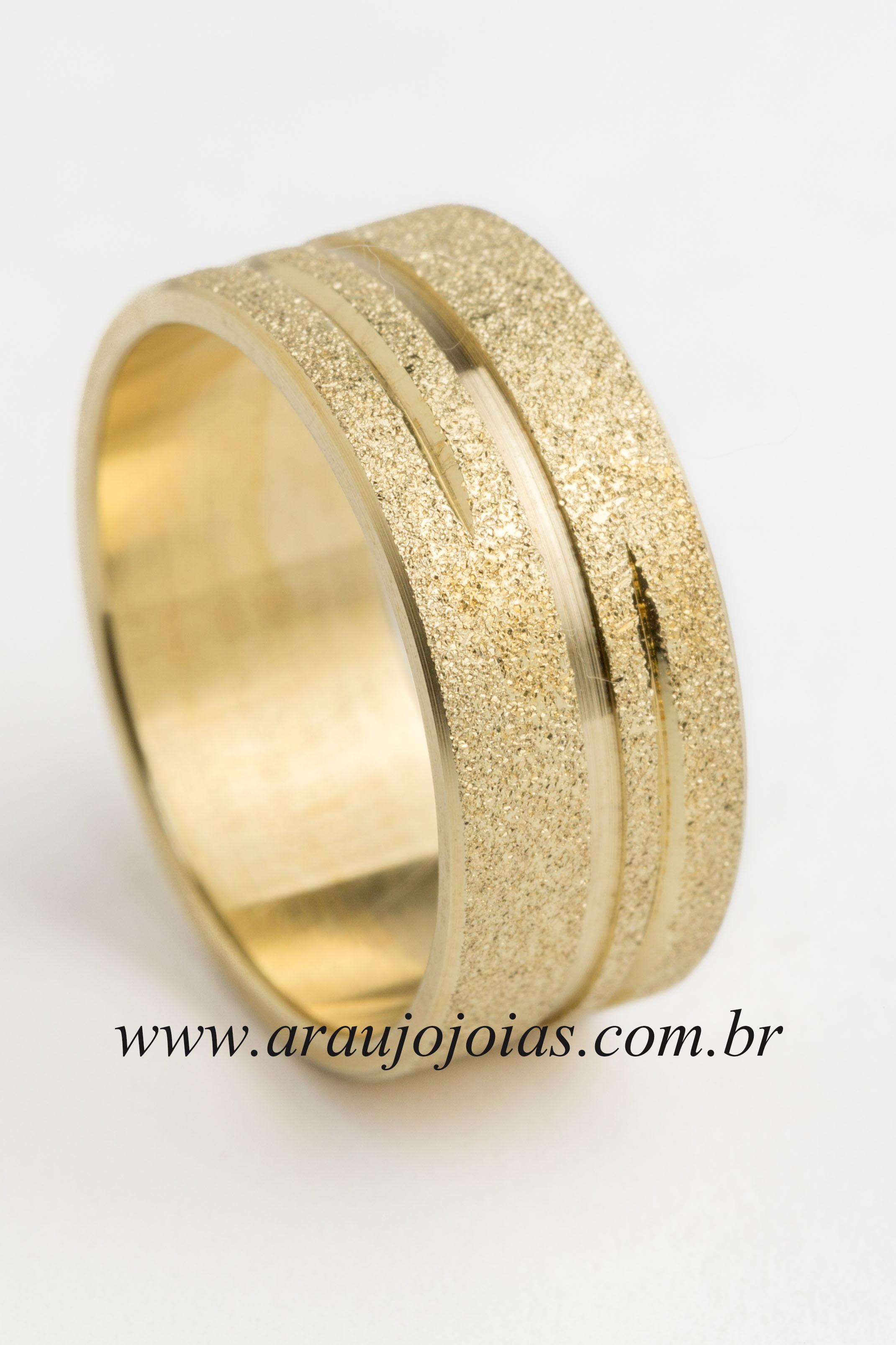 Aliança de casamento em ouro 18K 750 Compartilhe