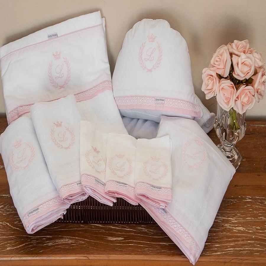 Enxoval bebê clássico coroa rosa - 8 peças