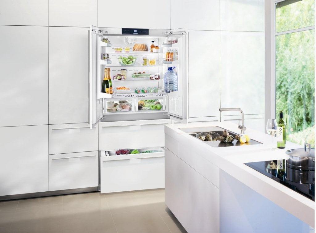 Refrigerador de Embutir Porta Revertível 534L Liebherr 127 V