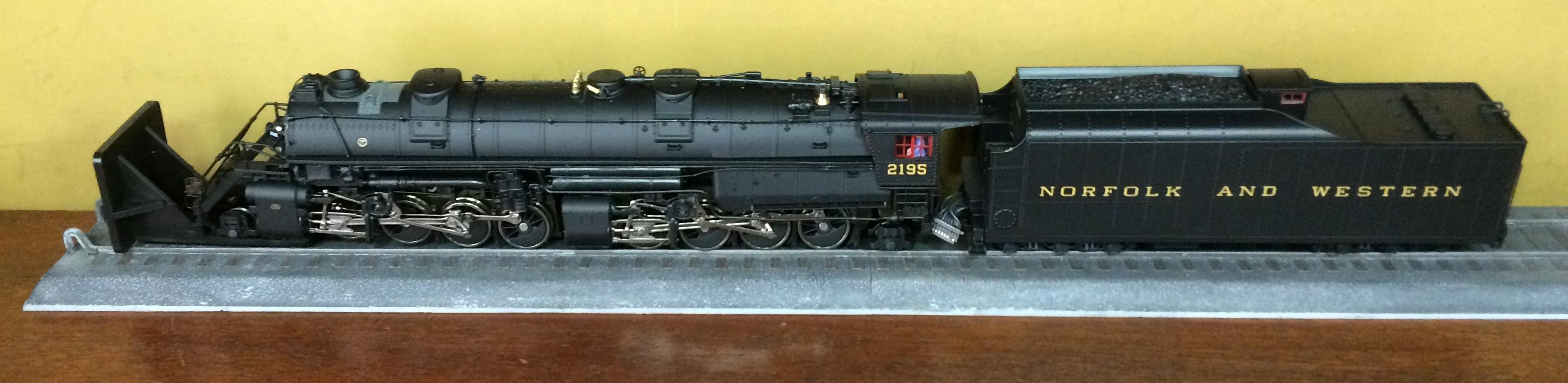 Locomotiva 2-8-8-2 Som e DCC