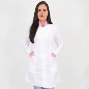 Jaleco Branco Feminino Acinturado com Detalhes Rosa