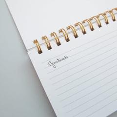Caderno Horizontal Cílios