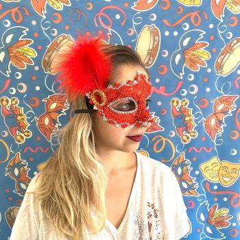 Máscara Pena Lateral Vermelha Rendada