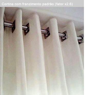 cortina com franzimento padrão