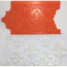 Molde de silicone onlay com desenho de Flor de lis e arabescos. Ideal para utilizar com Pasta Americana.