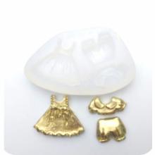 Molde de Silicone com Forma de Roupa de bebê - Vestido e Blusa e Short. Ideal para utilizar com Pasta Americana.