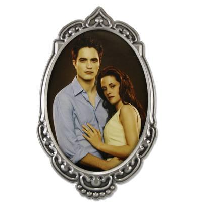 Porta Retrato com foto do casal Bella e Edward