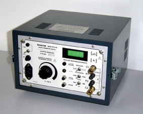 MOD 2201-M - Micro-ohmímetro digital (100 A).